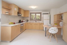 3 BEDROOM GARDEN APARTMENT